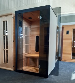 INFRAROOD SAUNA 110 FUTURA RED CEDAR SHOWROOM MODEL VLIERDEN